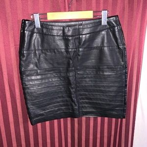 Sisters point faux leather skirt